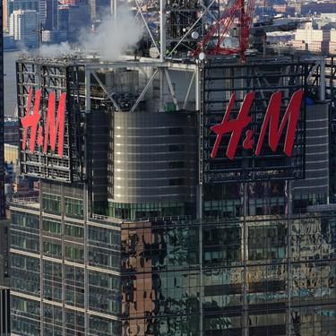 El Grupo H&M vuelve a ser acusado de racismo al nombrar de esta forma a uno de sus gorros de lana