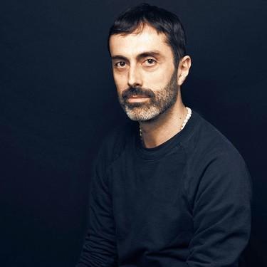 Giambatista Valli debuta en la moda masculina con su próxima (y muy romántica) colaboración con H&M