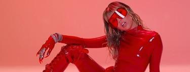 Parece Britney pero es Miley Cyrus en su nuevo videoclip 'Mother's Daughter', todo un alegato feminista con una estética muy de los años 2000
