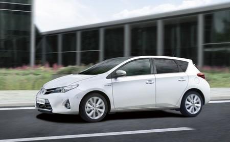 El Toyota Auris Híbrido es el coche híbrido más vendido en España en 2013