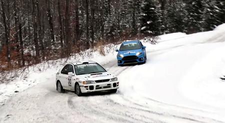 ¿Puede un Ford Focus RS darle batalla a un Subaru WRX de rally?