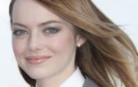 ¿Al trabajo en traje? Inspírate en Emma Stone y Brooklyn Decker