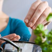 ¿Te cuesta reducir al sal en tu dieta? Suma especias para lograrlo