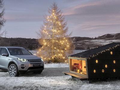¿Qué tal una cabaña de madera que quepa en tu coche? Es lo último de Land Rover para esta Navidad