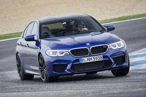 Manejamos el nuevo BMW M5 en Portugal: 600 hp y tracción integral para un sedán de locura