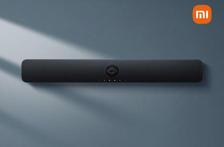 Esta barra de sonido de Xiaomi incluye una cámara y seis micrófonos para facilitar las videollamadas