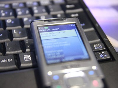 De 17 a 2 mensajes cortos enviados al mes, el declive del SMS en España