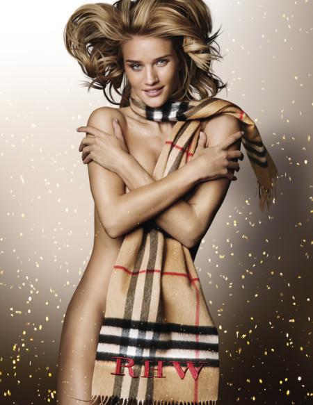 Rosie Huntington-Whiteley se desnuda para Burberry