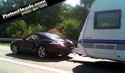Porsche Cayman S explotado