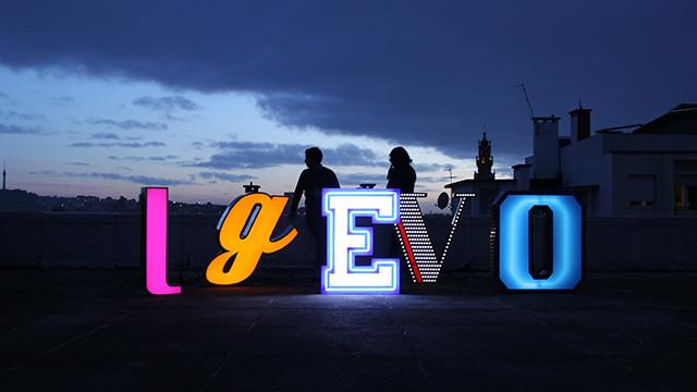 Letter Neon Graphic Lamp 06aportada