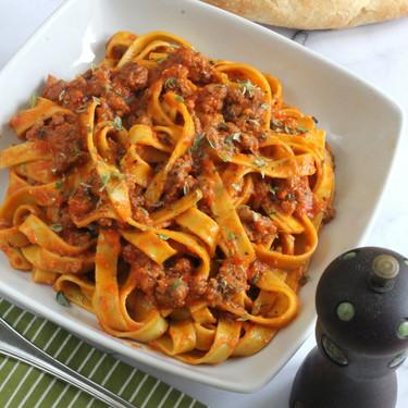Tagliatelle con pesto alla calabrese, original receta de pasta de la región de Calabria