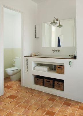 Mueble de obra bajolavabo una buena idea en ba os peque os for Bajo lavabo de obra