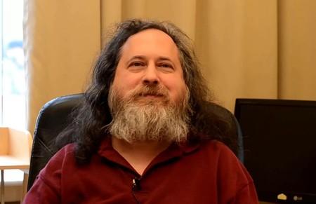 Richard Stallman, creador de GNU y la GPL, no confía en la privacidad del bitcoin y plantea una alternativa abierta, GNU Taler