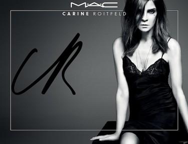 Carine Roitfeld y el secreto de su mirada cansada y sucia