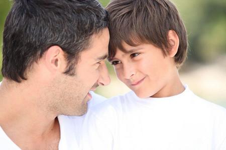 Cinco after shave para que nos apetezca darle muchos besos a papá