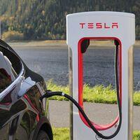 Tesla confirma la apertura de la red de Superchargers a otros fabricantes de coches eléctricos en 2022