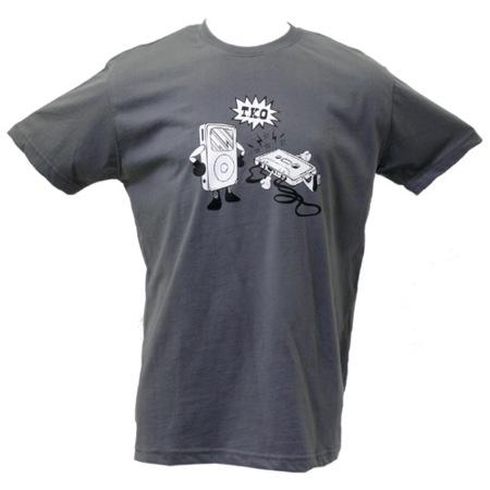 Camiseta de la pelea iPod vs. cassette