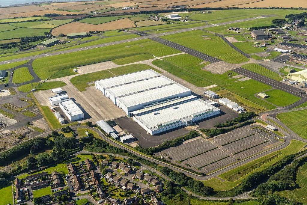 Aston Martin Dbx Factory 5