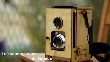 ¿Una TLR de 2 objetivos estilo Polaroid? Pues sí
