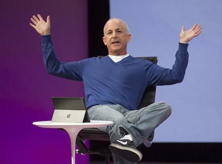 Sinofsky recibe 14 millones de dólares y no podrá hablar mal de Microsoft