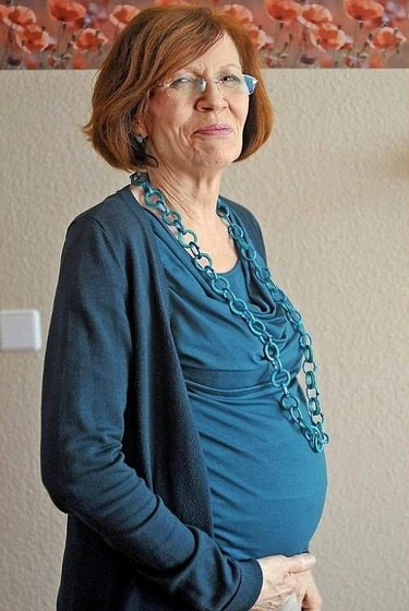 Una mujer de 65 años está embarazada de cuatrillizos