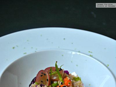 Ensalada de quinoa, pollo y verduras. Receta saludable