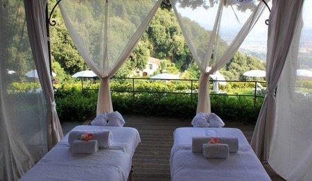 Tratamientos especializados: el Massage Gazebo del Hotel Villa San Michele de Florencia