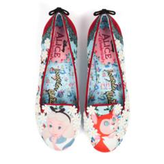 Foto 16 de 88 de la galería zapatos-alicia-en-el-pais-de-las-maravillas en Trendencias
