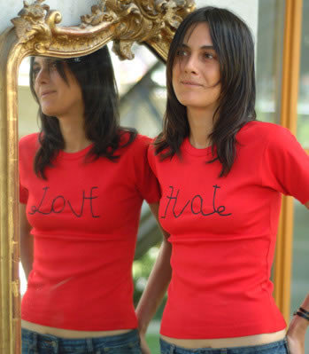 Amor-Odio, la camiseta