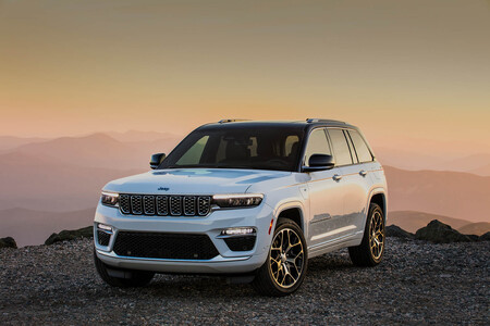 El nuevo Jeep Grand Cherokee es un imponente 4x4 americano, pero que solo llegará a España como híbrido enchufable
