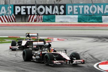 GP de Malasia 2010: Karun Chandhok y Bruno Senna llevan los dos monoplazas Hispania hasta el final