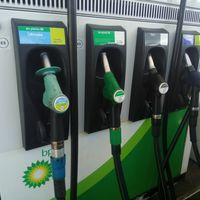 El precio de la gasolina sigue encadenando subidas: llenar el depósito cuesta 7,8 euros más que en enero