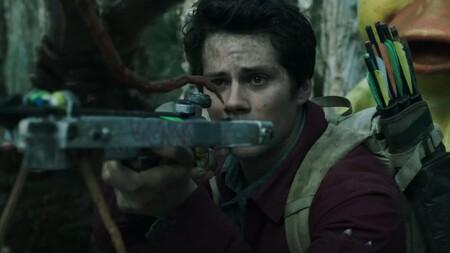 El sorprendente tráiler de 'Love and Monsters' lleva a Dylan O'Brien y Michael Rooker a un postapocalipsis lleno de criaturas