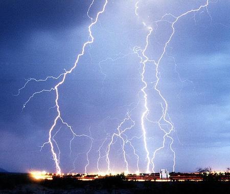 640px Lightning3