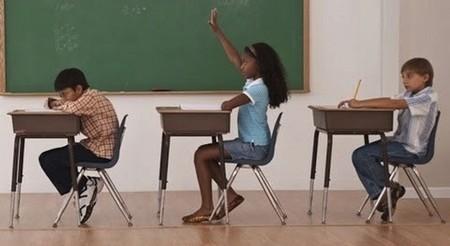 ¿Sentarse mal es perjudicial para la espalda como nos decían en el colegio?
