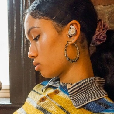 JBL presenta los auriculares perfectos para hacer deporte en cualquier parte: versátiles e impermeables incluso con agua salada