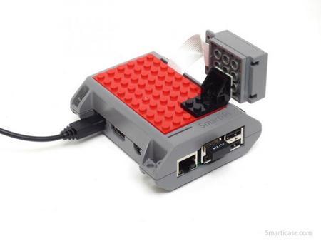 SmartiPi también tiene un accesorio para la cámara de la Raspberry Pi