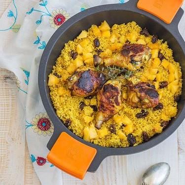 Pollo al Ras el Hanout con fruta y cuscús: receta para llevar Marruecos a tu cocina