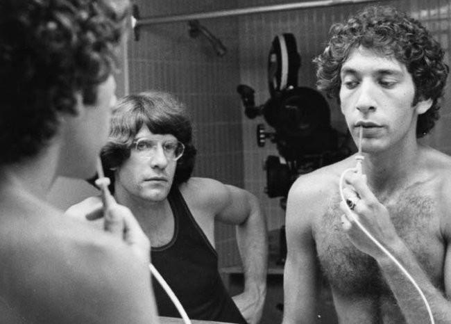 David Cronenberg y Allan Kolman ensayan una escena de Shivers