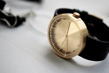 Reloj Tube de Piet Hein Eek. Carácter industrial. Belleza conceptual.
