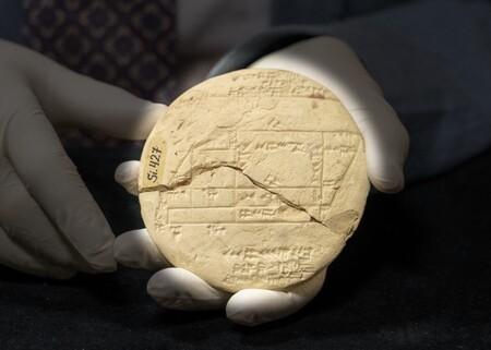 Esta tablilla de arcilla puede ser el ejemplo de geometría aplicada más antiguo que se conoce: mil años antes de Pitágoras