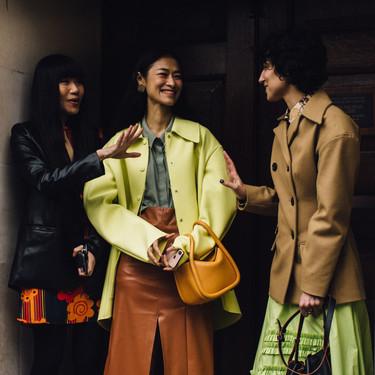 Todas vestiremos en colores ácidos esta primavera, pero las chicas de moda de Londres han sido las primeras en atreverse (e inspirarnos)