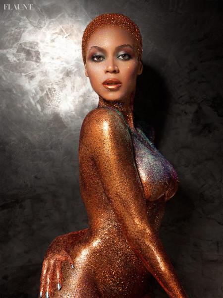 ¡Beyoncé logra el desnudo (y la portada) más brillante de 2013!