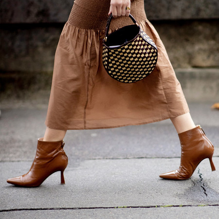 Cómo combinar unas botines marrones: claves de estilo para triunfar en el street-style