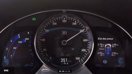 La alegría de acelerar hasta 351 km/h en un Bugatti Chiron, en video