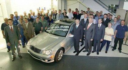 Sale de fábrica el último Mercedes Clase C W203