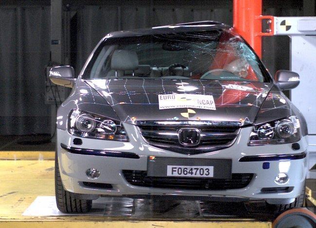 Honda Legend EuroNCAP Pole Test