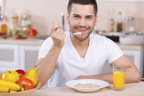 Las mejores y peores opciones para comer después de entrenar si buscas perder peso