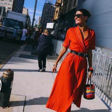 Las siete fórmulas para saber cómo combinar un vestido rojo y convertirlo en el arma secreta de tu armario