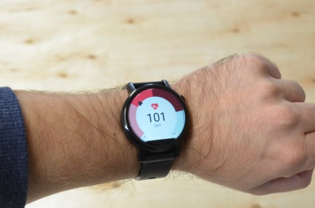 Moto360 2015 Review Ritmo Cardiaco